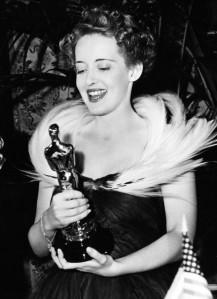 11_memorable_actress_bette_davis