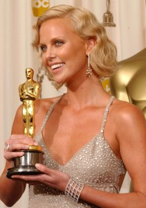 Chopard-Charlize-Theron-Academy-Awards-2004