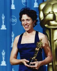 frances_mcdormand_oscar_for_fargo_69th_academy_awards_p89RqE1.sized